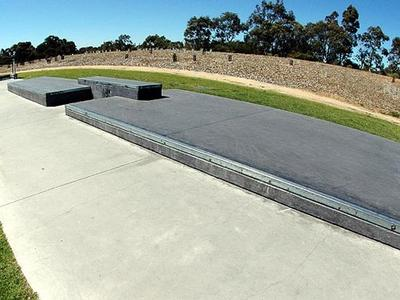 Clifton Hill Plaza